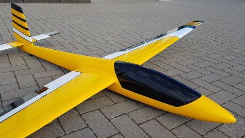 Swift S-1 Tomahawk gelb schwarz weiß
